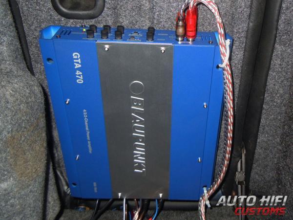 Мы устанавливали Blaupunkt GTA 470 в.