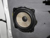 Установка акустики Focal Performance PS 165 F в KIA Sorento III (UM)