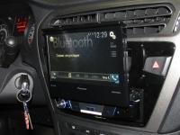 Фотография установки магнитолы Pioneer AVH-X7800BT в Peugeot 301