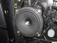 Установка акустики Hertz ESK 165L.5 в KIA Sorento III (UM)