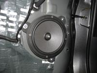 Установка акустики Focal Integration ISS 165 в Toyota RAV4.4