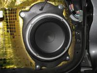 Установка акустики Audison AV 6.5 в Toyota Land Cruiser 200