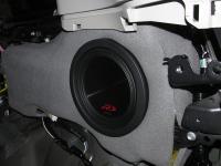 Установка сабвуфера Alpine SWR-8D2 в Toyota Land Cruiser 200