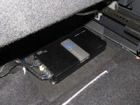 Установка усилителя Soundstream PN1.650D в Mitsubishi Outlander III