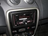 Фотография установки магнитолы JVC KW-R920BTE в Renault Duster