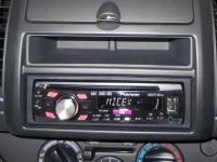Фотография установки магнитолы Pioneer DEH-2300UB в Nissan Note