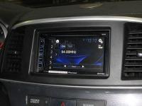 Фотография установки магнитолы Pioneer AVH-X1800DVD в Mitsubishi Lancer X