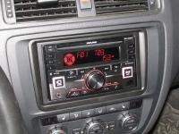 Фотография установки магнитолы Alpine CDE-W296BT в Volkswagen Jetta VI