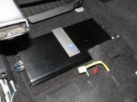 Установка усилителя Soundstream P4.500 в Mitsubishi Outlander III