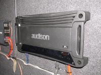 Установка усилителя Audison SR 4 в Toyota Avensis