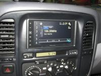 Фотография установки магнитолы Pioneer SPH-DA120 в Toyota Land Cruiser 100