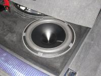 Установка сабвуфера Hertz HX 300D в Audi Q7 II (4M)