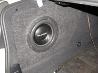 Установка сабвуфера Gladen SQX 10 в BMW 5 (F10)