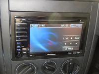 Фотография установки магнитолы Pioneer AVH-P3100DVD в Volkswagen Golf