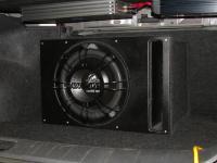 Установка сабвуфера Ground Zero GZRW 12D4 vented box в Nissan Teana (J32)