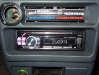 Фотография установки магнитолы Alpine CDE-112Ri в Lada 21099