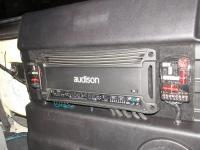 Установка усилителя Audison SR 5 в Toyota Tundra II