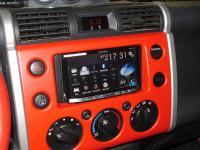 Фотография установки магнитолы Pioneer AVH-X8800BT в Toyota FJ Cruiser