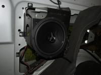 Установка акустики Hertz ECX 165.5 в Mercedes V class (W447)