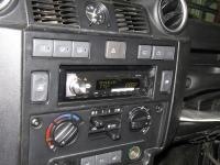 Фотография установки магнитолы Pioneer MVH-X580BT в Land Rover Defender