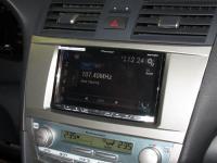 Фотография установки магнитолы Pioneer AVH-X8800BT в Toyota Camry V40