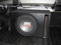 Установка сабвуфера MTX RT12-04 vented box в Mercedes C class (W204)