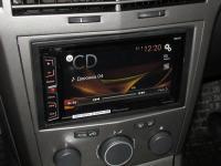 Фотография установки магнитолы Pioneer AVH-X1800DVD в Opel Astra H