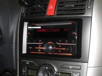 Фотография установки магнитолы Pioneer FH-X730BT в Toyota Auris
