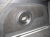 Установка сабвуфера ESX SX1040 в Volkswagen Touareg II NF