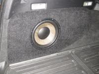 Установка сабвуфера Focal Performance P 25 F в Volvo XC70 III