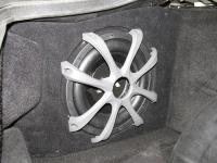 Установка сабвуфера ESX SX1040 в Ferrari 575 Maranello