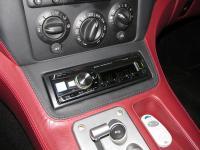 Фотография установки магнитолы Alpine UTE-92BT в Ferrari 575 Maranello