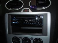 Фотография установки магнитолы Pioneer DEH-4200SD в Ford Focus 2