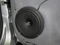 Установка акустики Hertz ESK 165L.5 в Lada Vesta