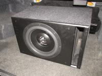 Установка сабвуфера Ground Zero GZRW 12D4 vented box в Nissan Almera Classic