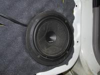 Установка акустики Hertz ESK 165L.5 в Mitsubishi Pajero Sport