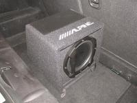 Установка сабвуфера Alpine SWE-815 в Mini One