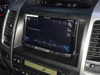 Фотография установки магнитолы Pioneer AVH-X5800BT в Toyota Land Cruiser 120