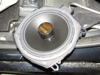 Установка сабвуфера German Maestro SWF 8012 HE в BMW X5 (F15)