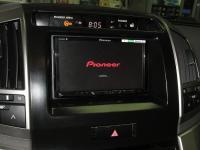 Фотография установки магнитолы Pioneer AVH-Z5000BT в Toyota Land Cruiser 200