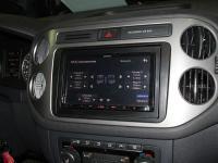 Фотография установки магнитолы Kenwood DMX7017BTS в Volkswagen Tiguan