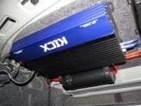 Установка усилителя Kicx AP 1000D в Volkswagen Polo V