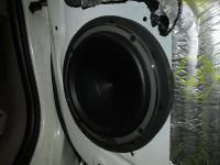 Установка акустики Hertz MPK 165.3 Pro в Toyota Fortuner