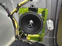 Установка акустики Hertz ECX 130.5 в Suzuki Jimny
