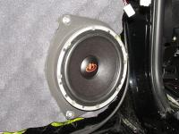 Установка акустики Dego ST-650 в Toyota Land Cruiser 150