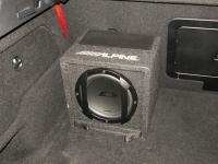 Установка сабвуфера Alpine SWE-815 в Mercedes GLA (X156)
