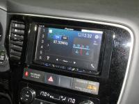 Фотография установки магнитолы Pioneer AVH-Z5000BT в Mitsubishi Outlander III