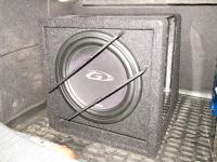 Установка сабвуфера Alpine SBG-1044BR в Opel Astra H GTC