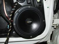 Установка акустики Eton POW 172.2 Compression в Volkswagen Golf