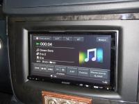Фотография установки магнитолы Sony XAV-E70BT в Mercedes Viano